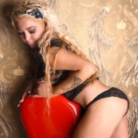 Melani - busty escort girl serves a quick number with Spanish on the way