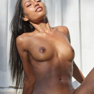 Sibyl - Permissive young woman seduces with facesitting while visiting hotels