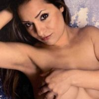 Yolanda - brunette hobby whore offers outdoor sex to please the man's thirst for adventure