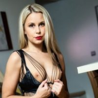 Goda - Escortgirl performs active dildo games for great hours after office hours