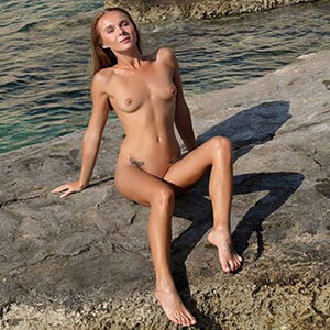 Eva - top travel companion in Berlin with a delicate figure spoils with anal service